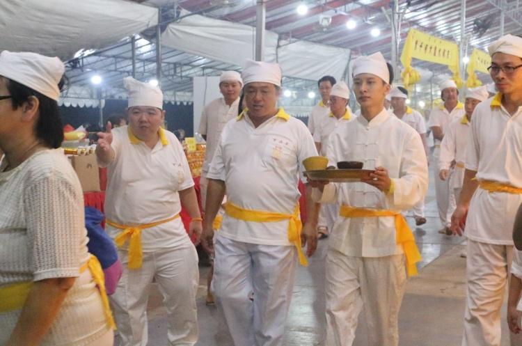 Visit from members of Kim San Tze (金山寺).